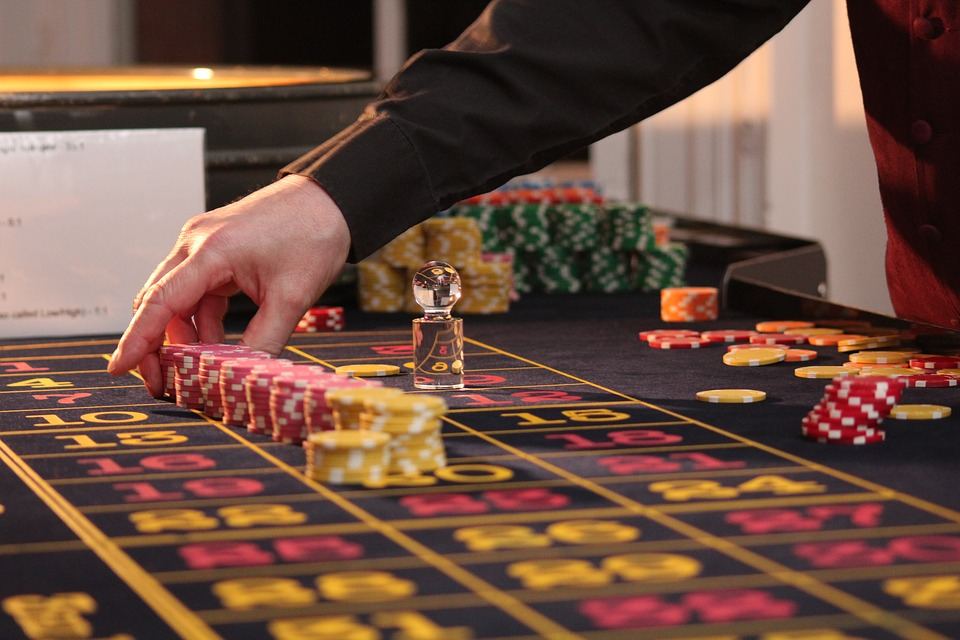 casino roulette gambling table